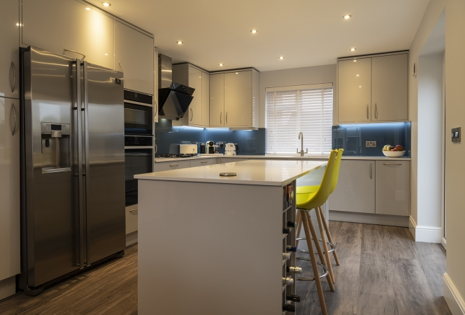 kitchen-stori-zola-gloss-light-grey