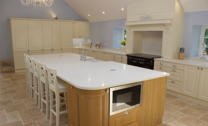 Huntersbrook Jefferson Oak & Ivory Kitchen for Mr & Mrs Hamill of Harlow