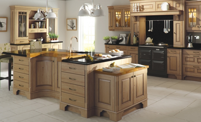 The classic traditional country style Dante kitchen in an antiqued oak finish