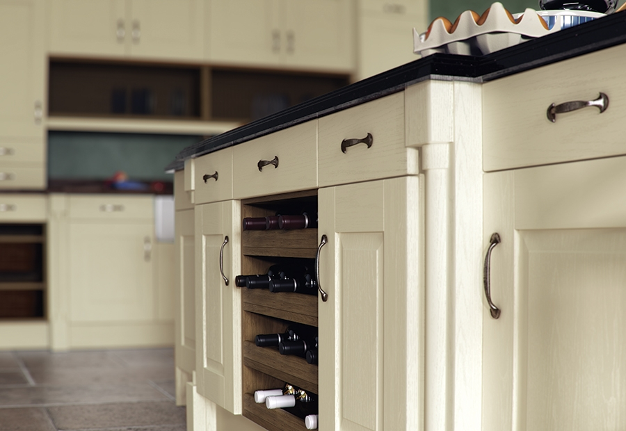 Classic Traditional Country Windsor Painted Ivory Kitchen Wine Rack Feature