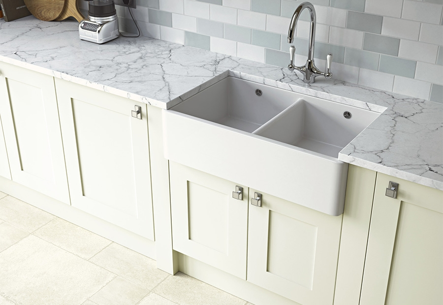 Georgia Painted Kitchen in Porcelain Featuring Belfast Sink