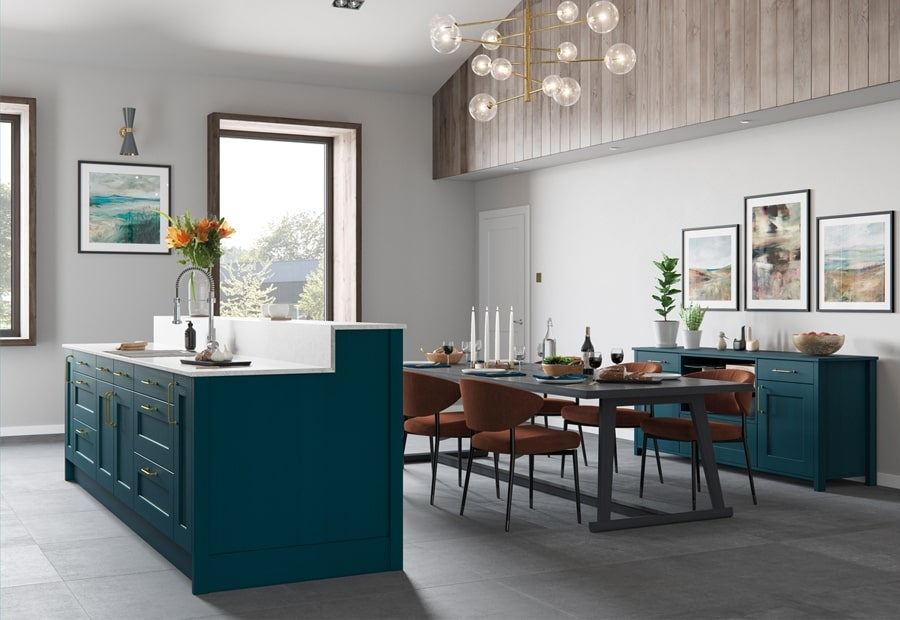 Classic Wakefield Marine Kitchen with Dining Area