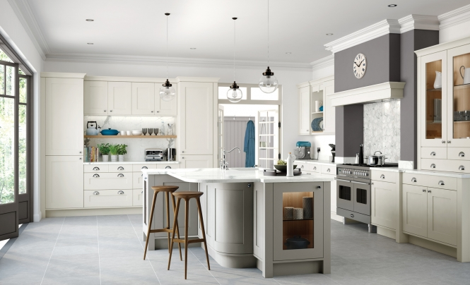 Modern Georgia Painted Kitchen in Porcelain & Stone