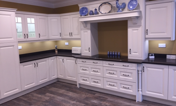 Classic Jefferson kitchen in painted ivory for Mr & Mrs Hobson of Goole, Yorkshire