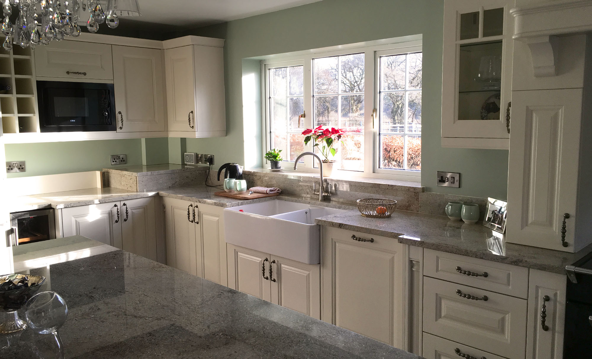 jefferson-ivory-kitchen-counter-sink-window