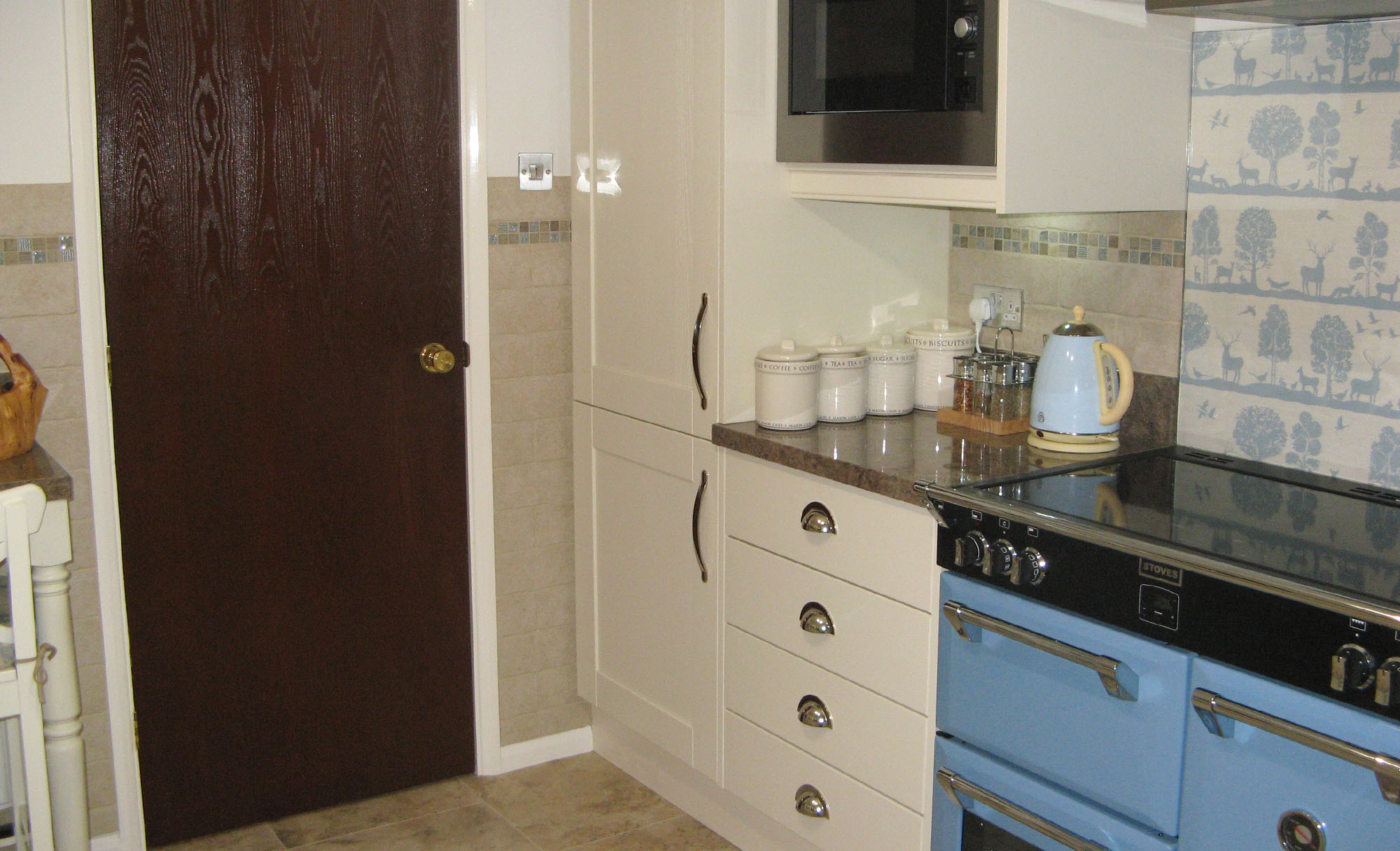 jefferson-ivory-kitchen-counter-kitchen1