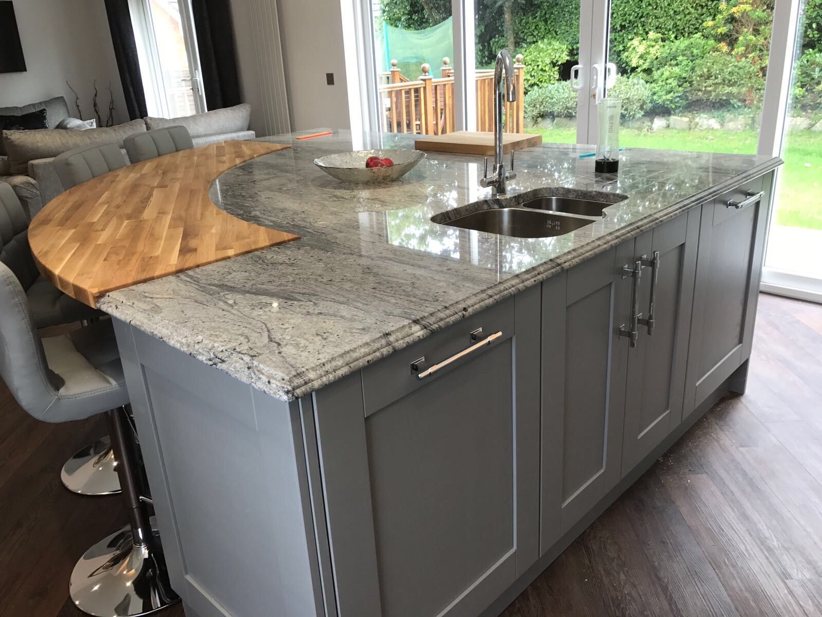 kitchenstori-madison-lightgrey-dustgrey-belfast-island