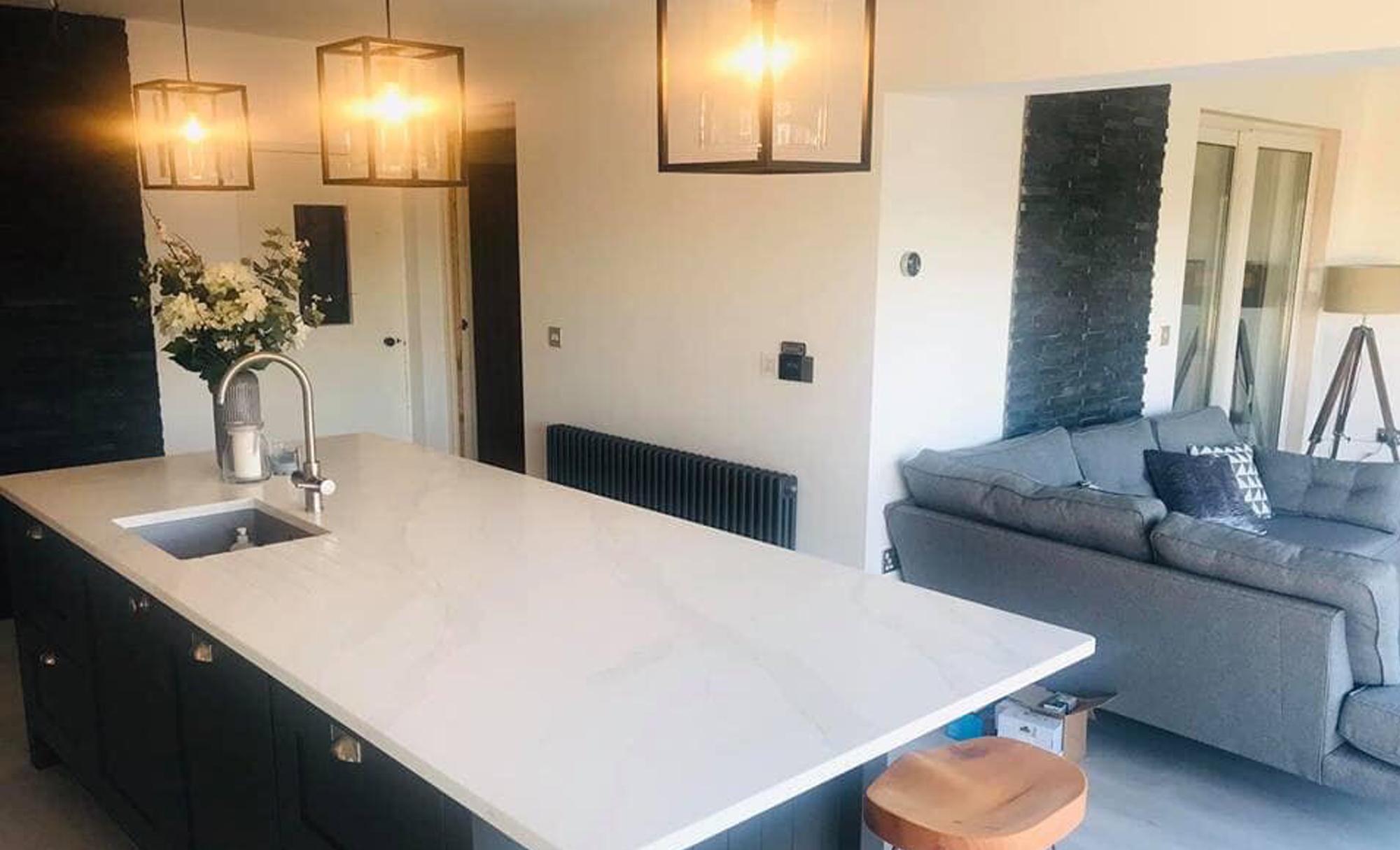 kitchen-stori-madison-light-grey-graphite-lighting