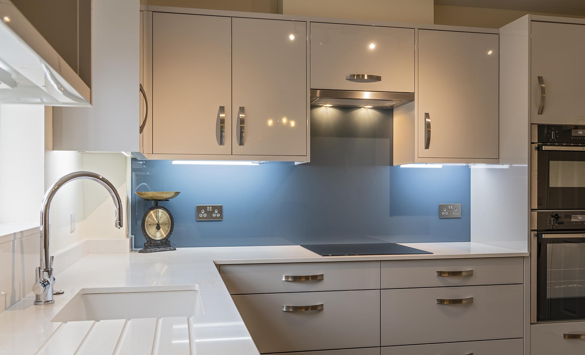 kitchen-stori-zola-gloss-light-grey