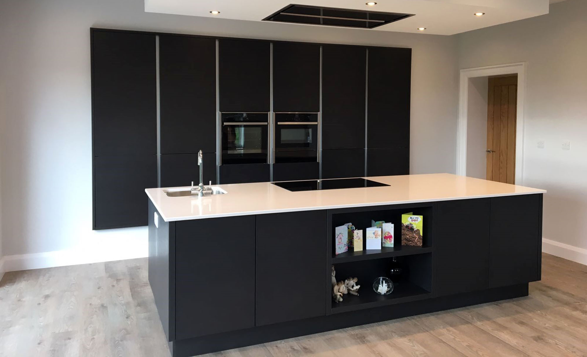 tavola-hacienda-black-coleraine-modern-kitchen-stori