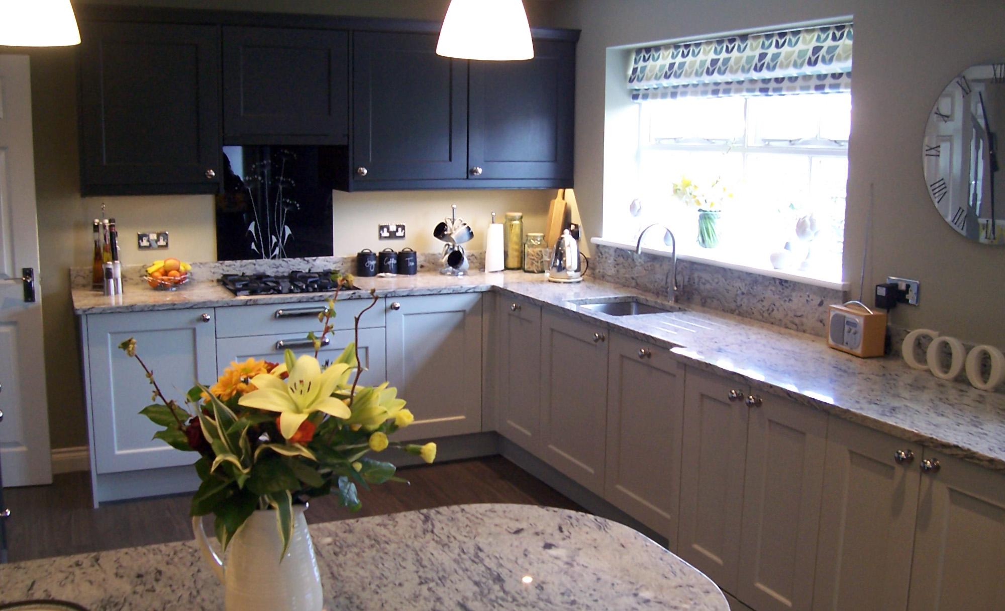 kitchen-stori-wakefield-painted-mussel-graphite-full-shot