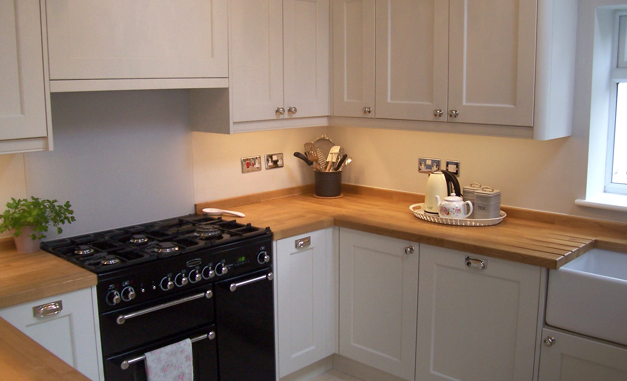 wakefield-painted-porcelain-kitchen-stori