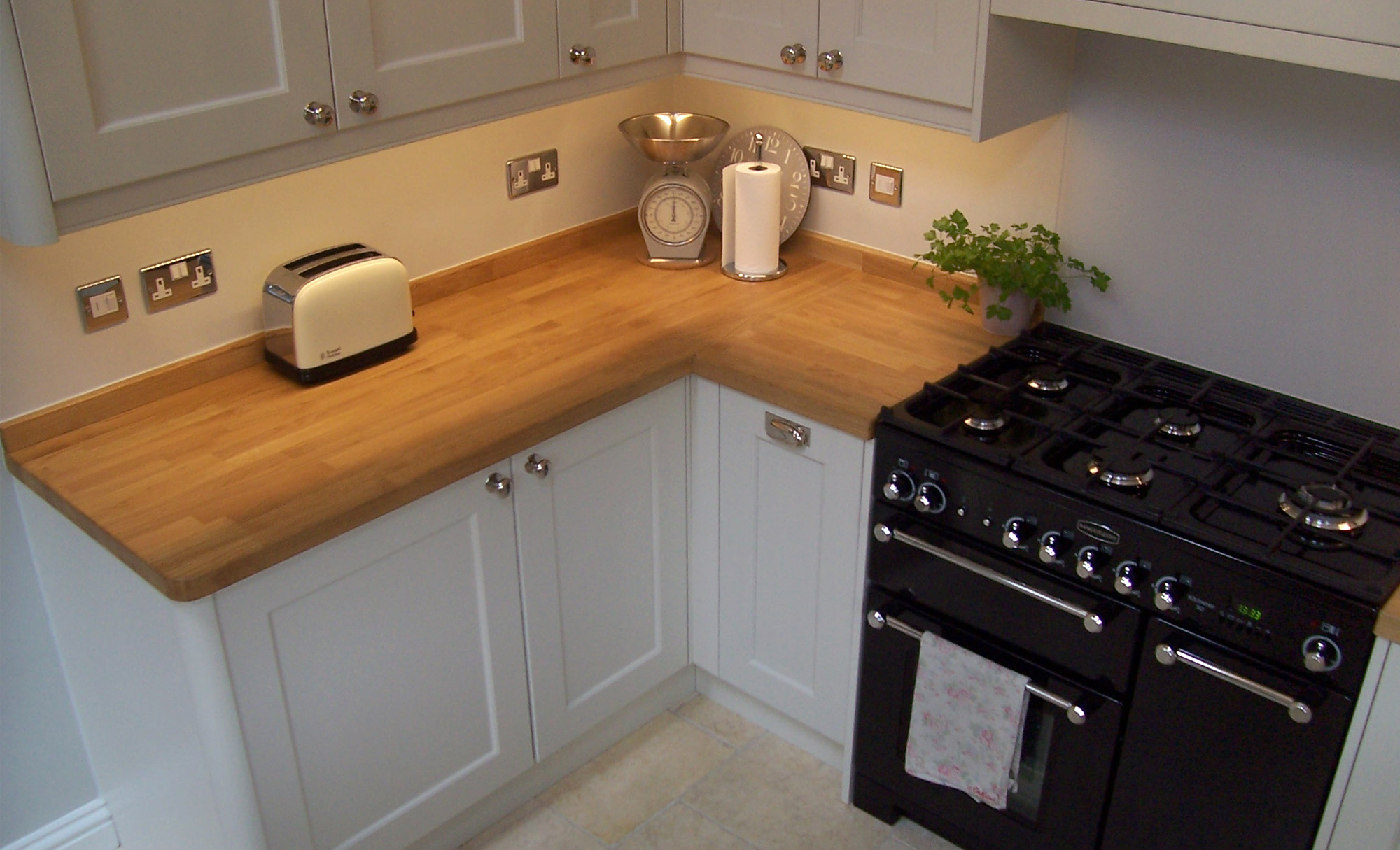 kitchen-stori-wakefield-painted-porcelain-counter