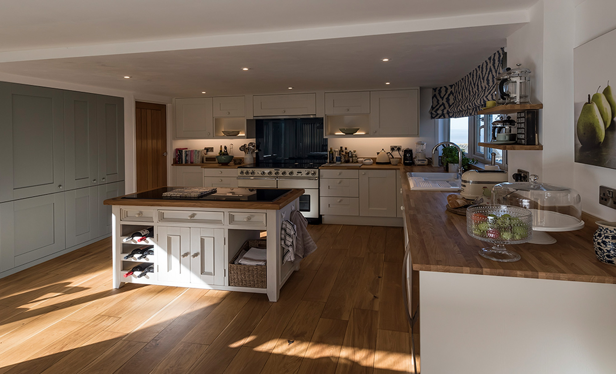 kitchenstori-windsor-shaker-lightblue-porcelain-kitchen-main