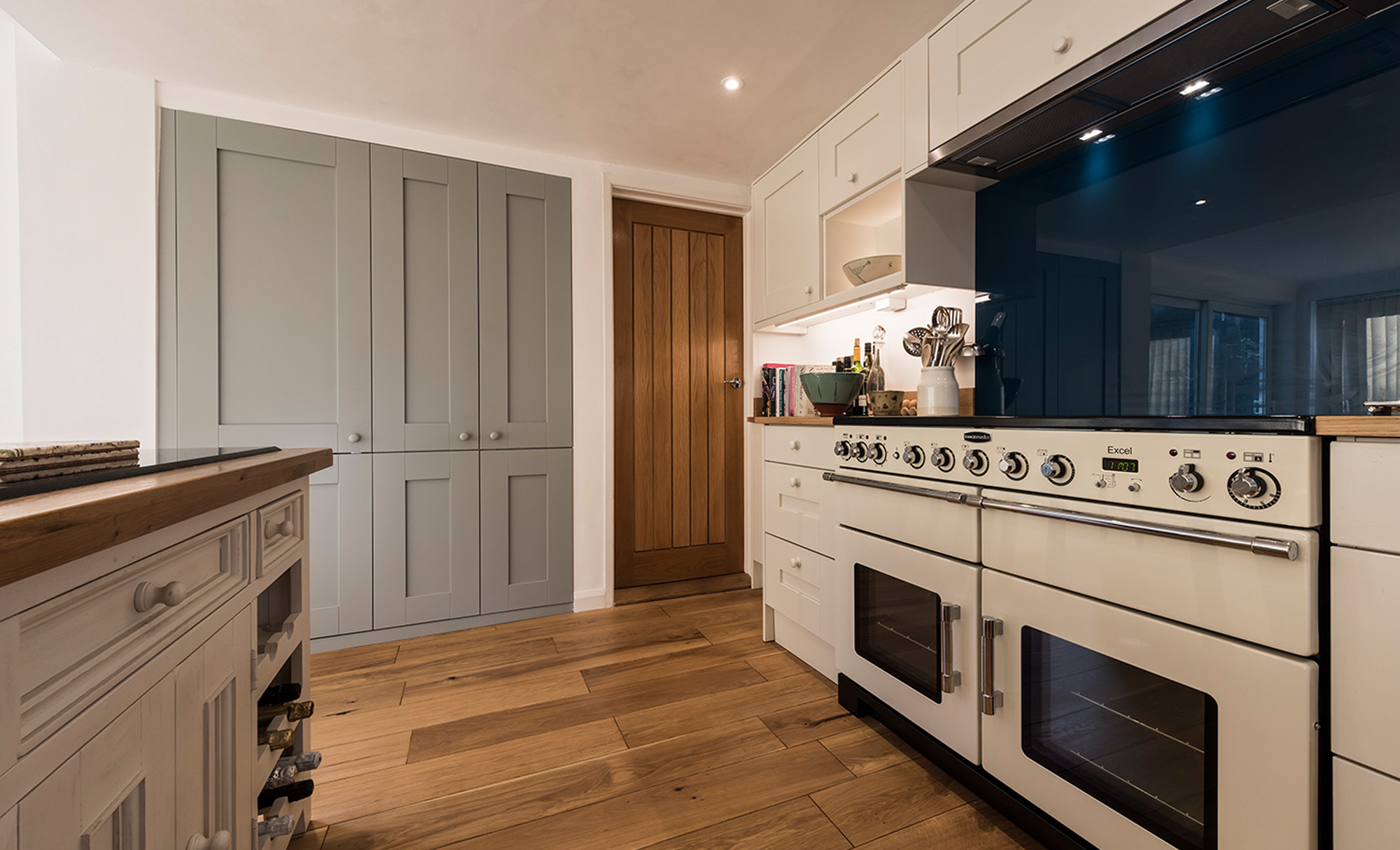 kitchenstori-windsor-shaker-lightblue-porcelain-kitchen-hob