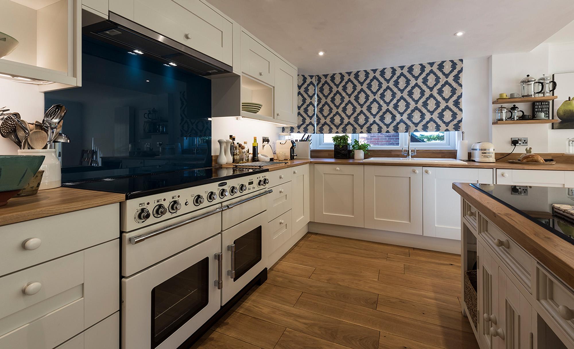 kitchenstori-windsor-shaker-lightblue-porcelain-kitchen