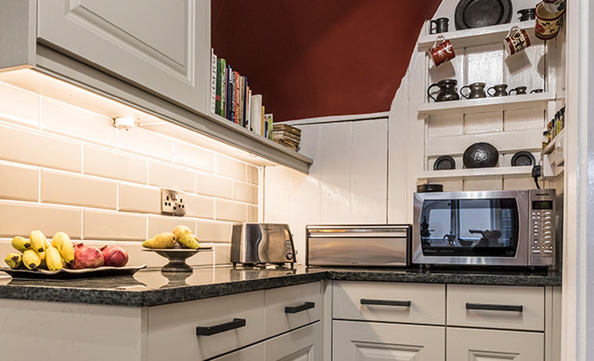 kitchen-stori-jefferson-painted-mussel-storage