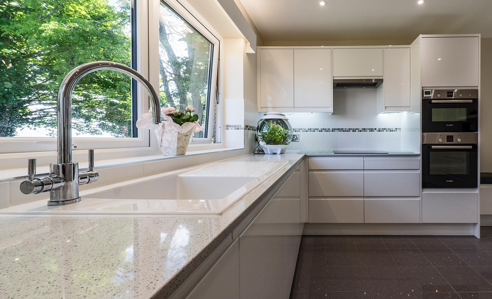 strada-white-main-portishead-kitchen
