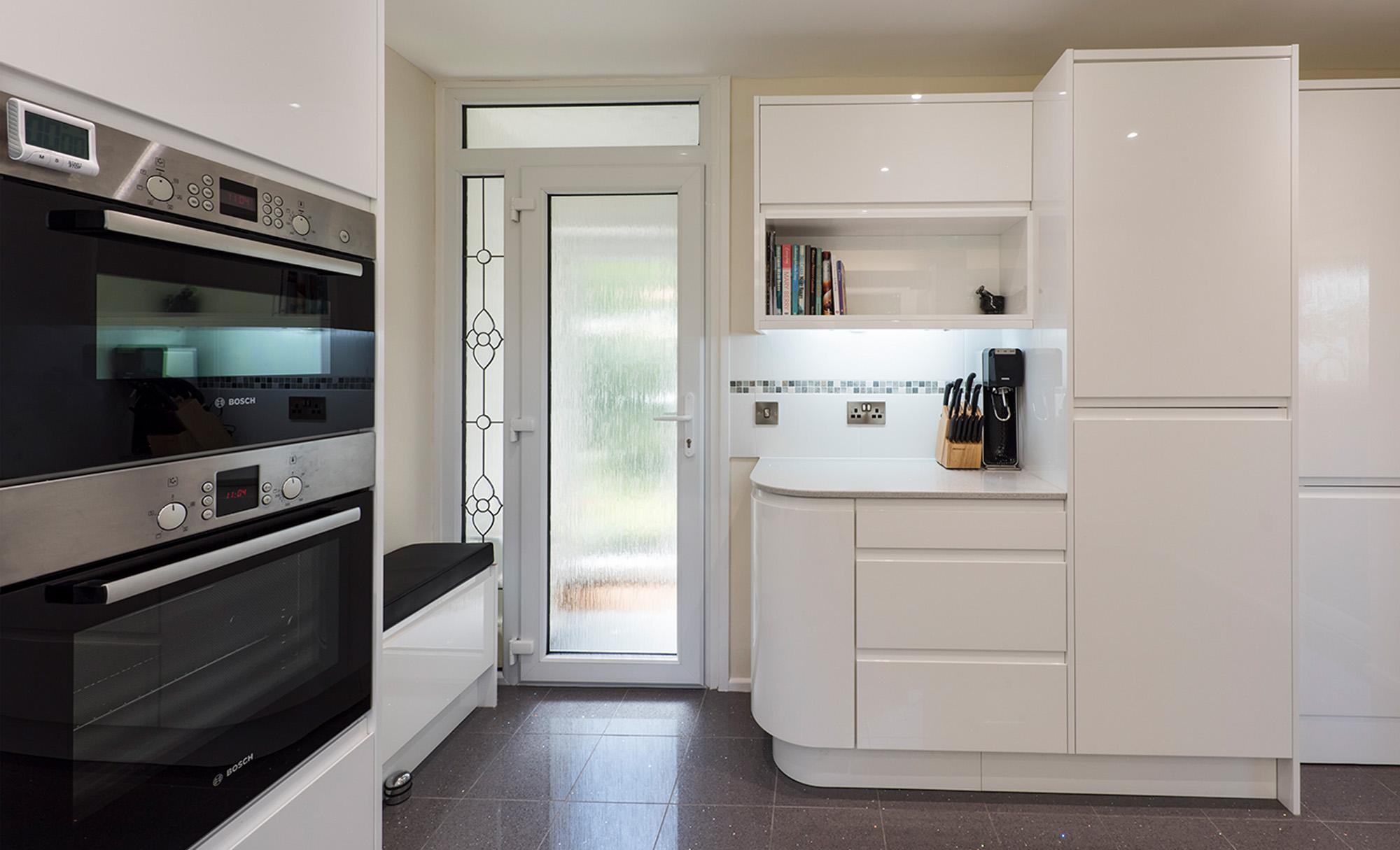 strada-white-main-portishead-kitchen-full