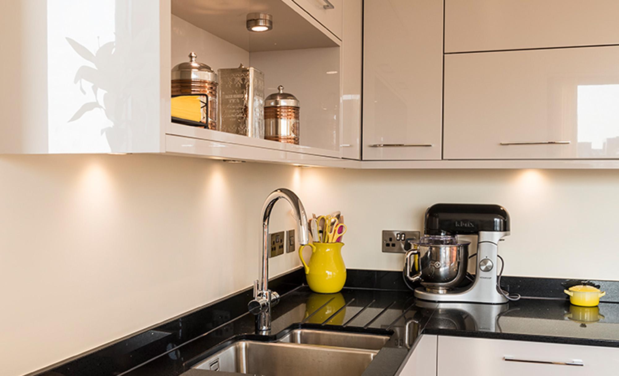 zola-gloss-cashmere-modern-sink