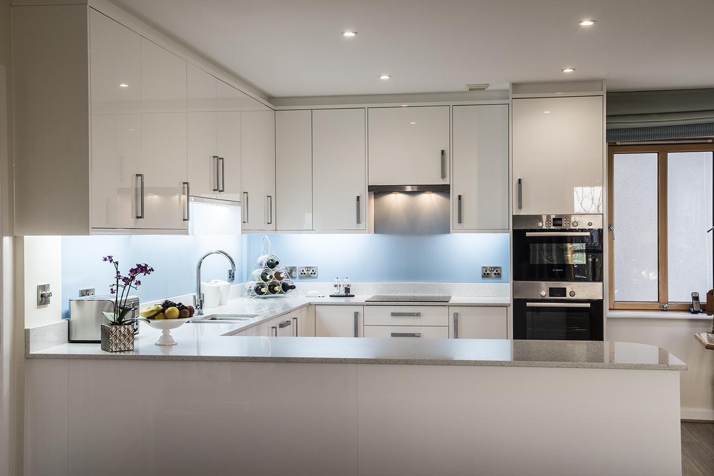 zola-white-gloss-kitchen