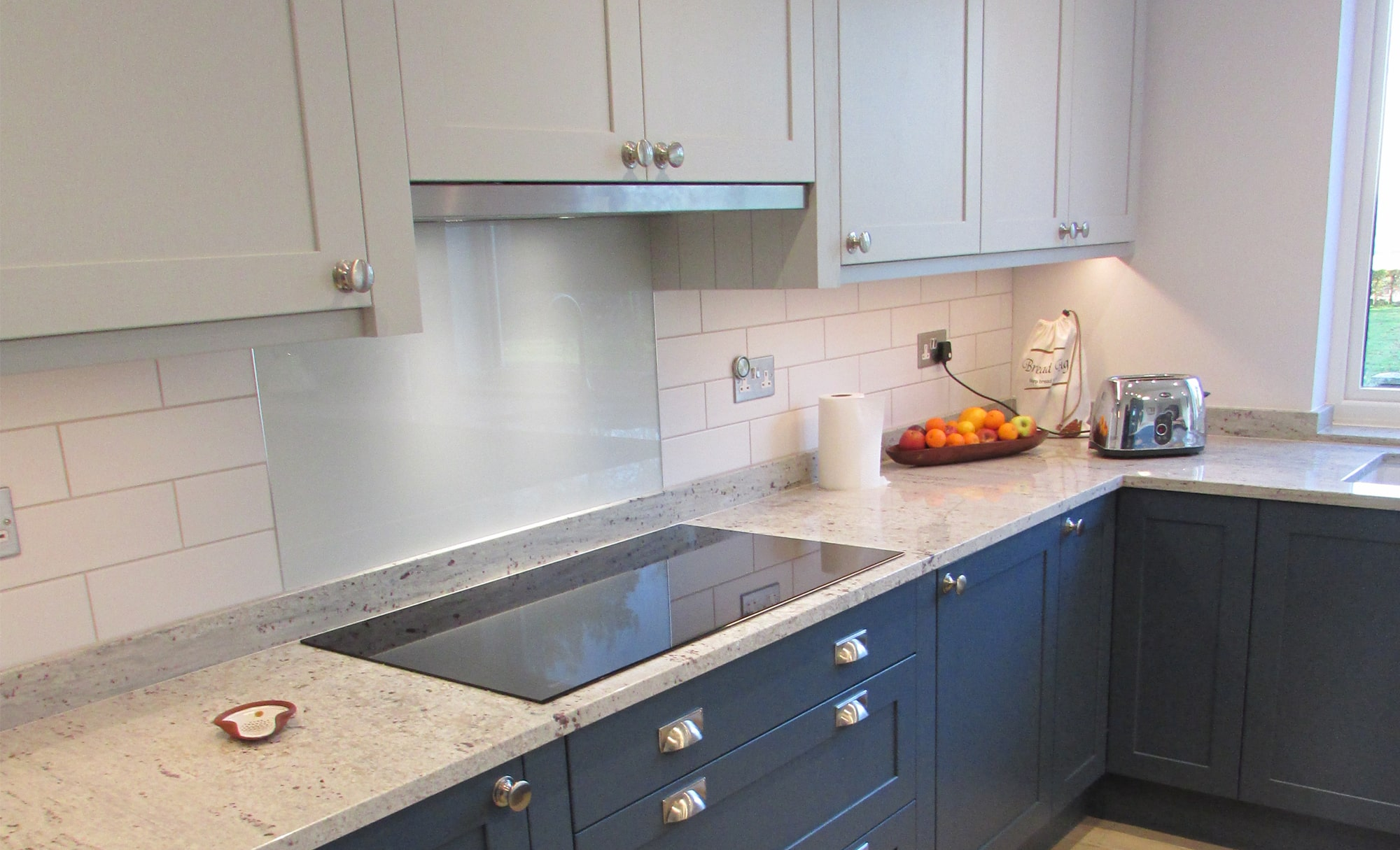 Kitchen Stori Aldana Light Grey & Airforce Kitchen by Grays Fitted Furniture Hob