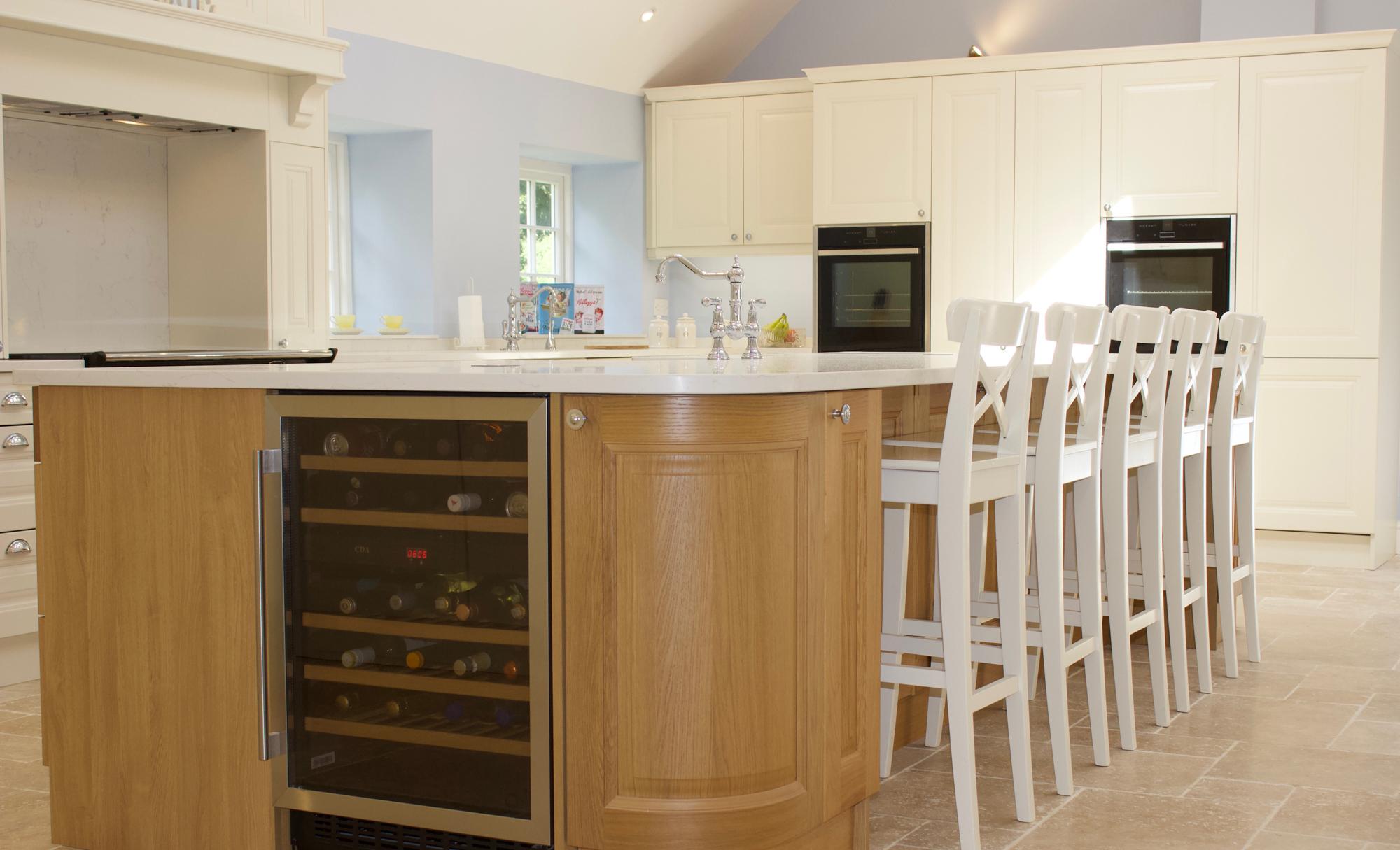 Huntersbrook Jefferson Oak & Ivory Kitchen Island