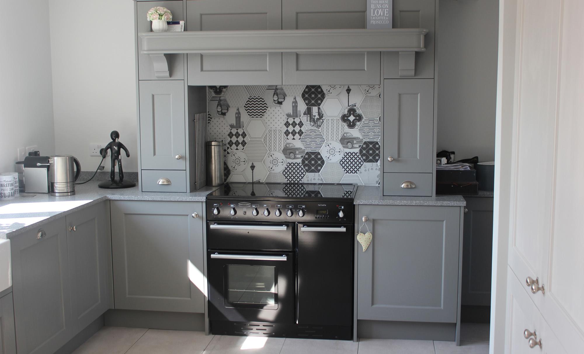kitchen-stori-wakefield-sanded-plummet-cornforth-white