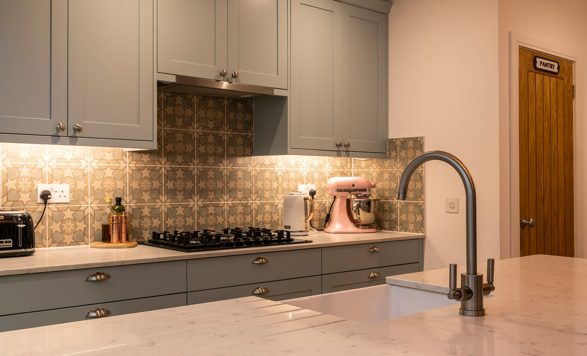 Aldana Shaker Kitchen for a home in Portishead by Portishead Kitchens