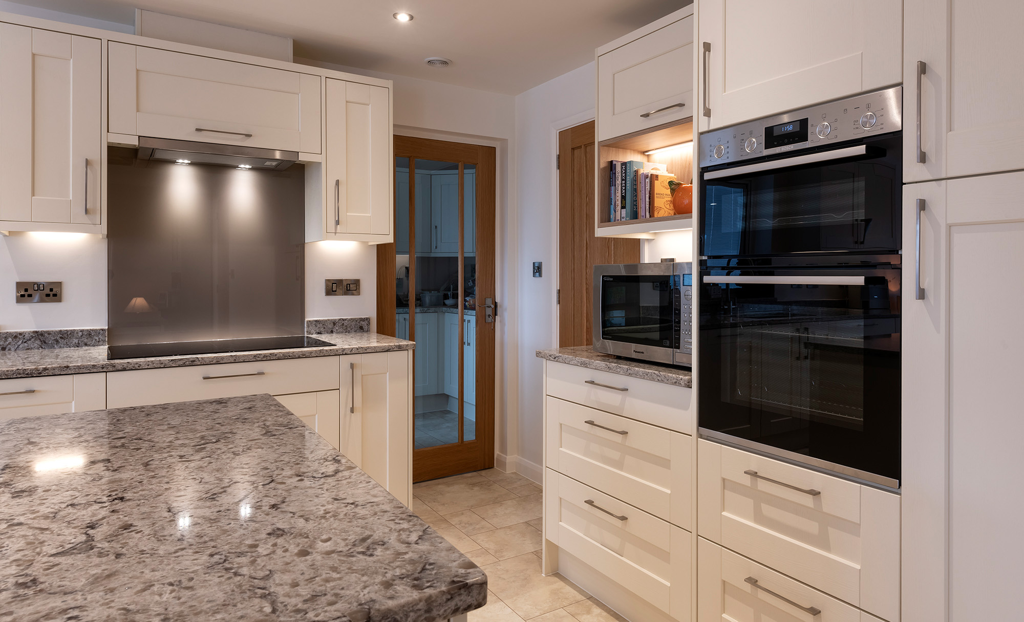 Kensington Painted Ivory Kitchen by Portishead Kitchens Oven