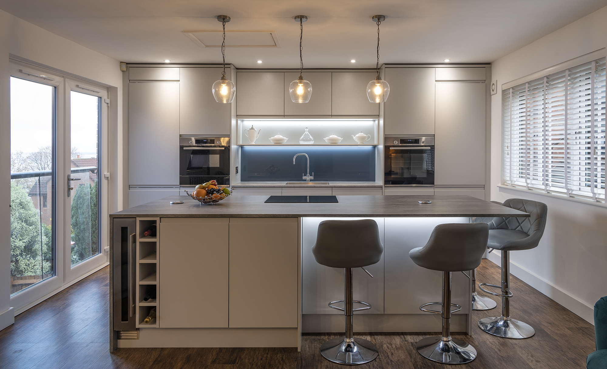Portishead Strada Matte Light Grey Kitchen for a home in North Somerset Main