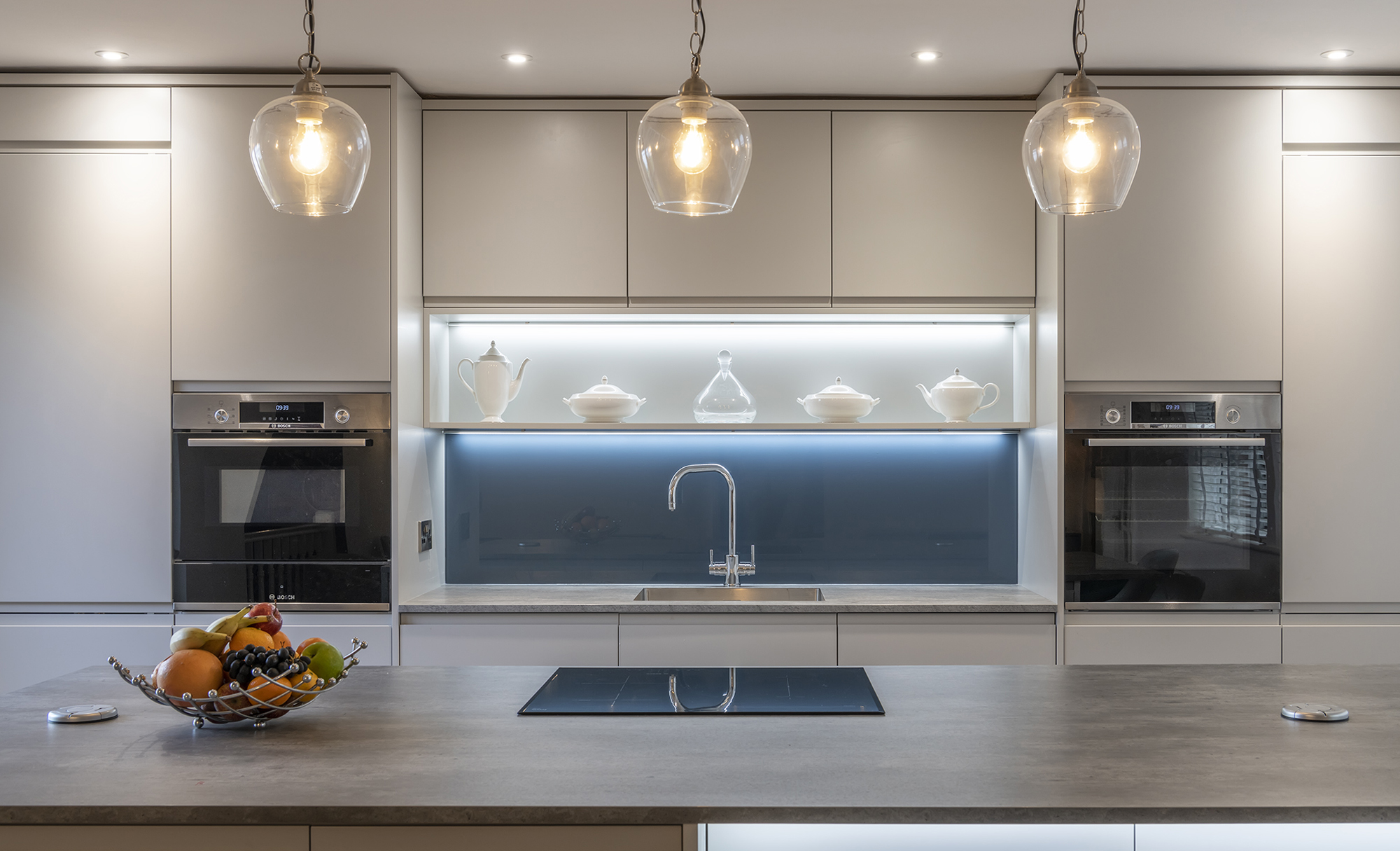 Portishead Strada Matte Light Grey Kitchen for a home in North Somerset Lights
