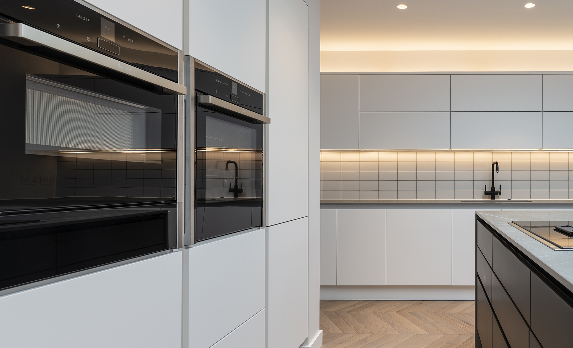 Portishead Zola Matte Almost Black & White Kitchen for a home in North Somerset 4