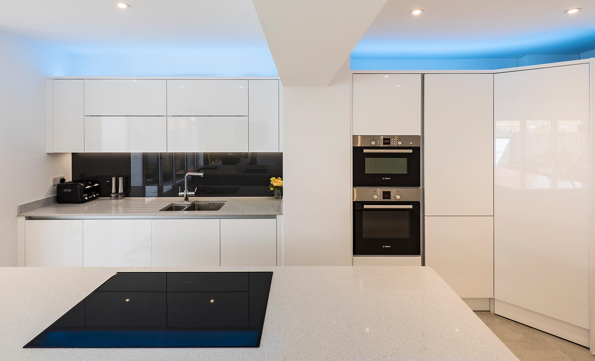 Portishead Zola Gloss White Kitchen Hob