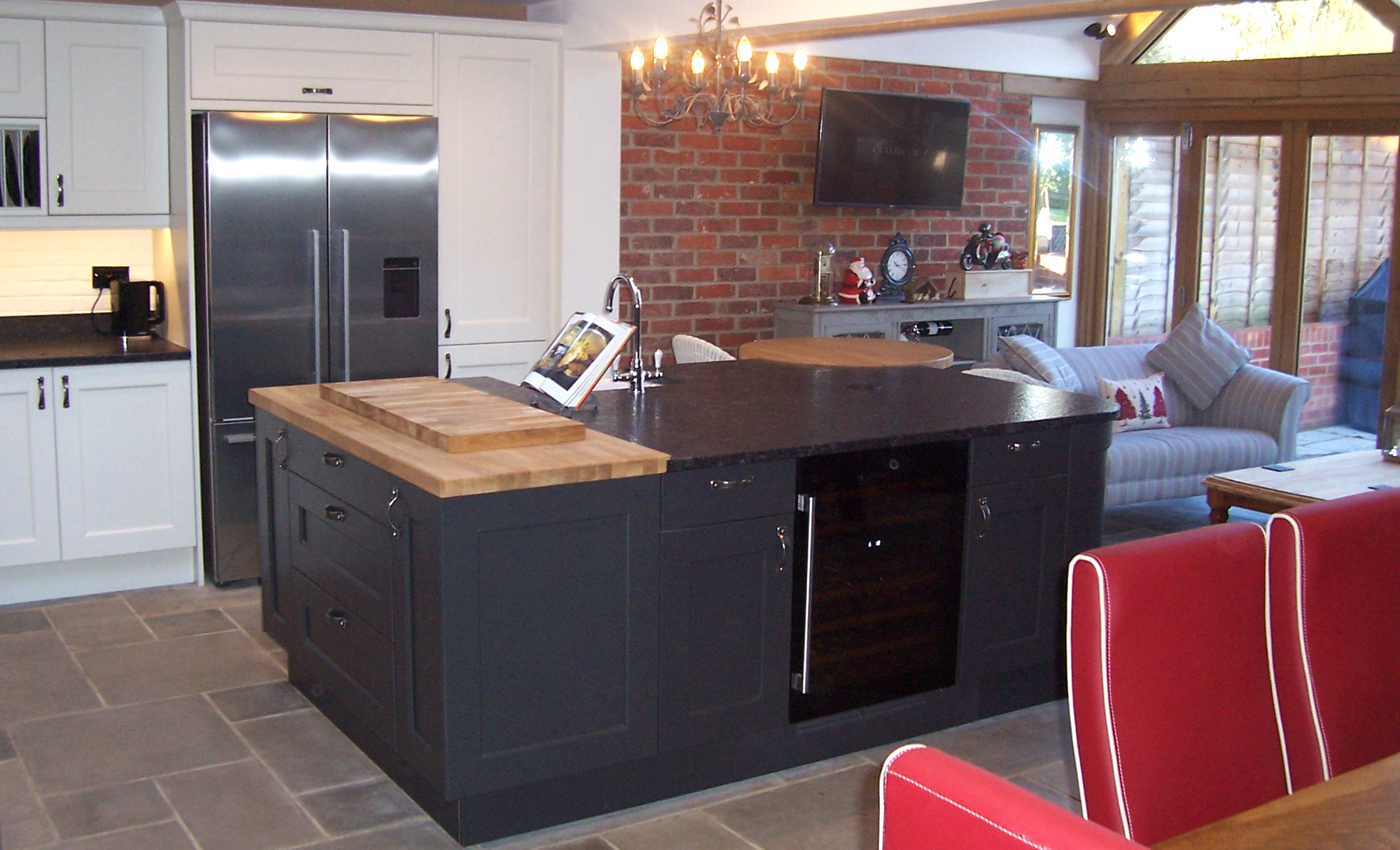 wakefield-painted-graphite-porcelain-full-shot-angle-kitchen-stori