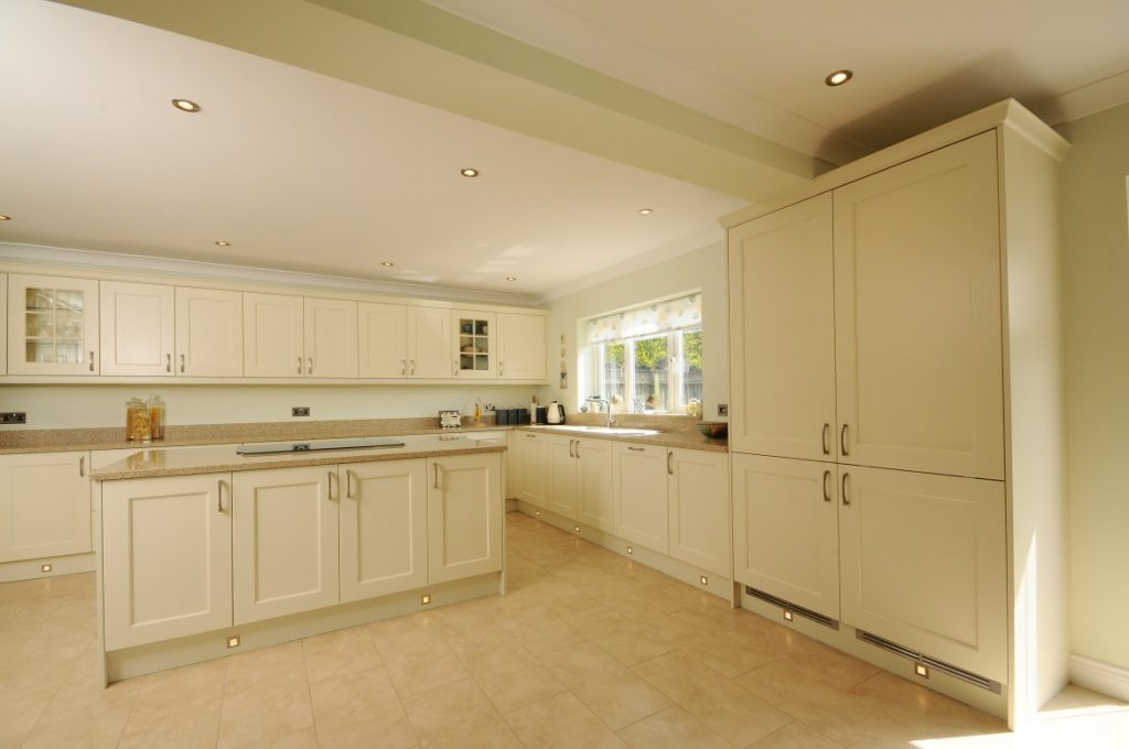 Contemporary Wakefield Shaker in Ivory by Newrooms Design