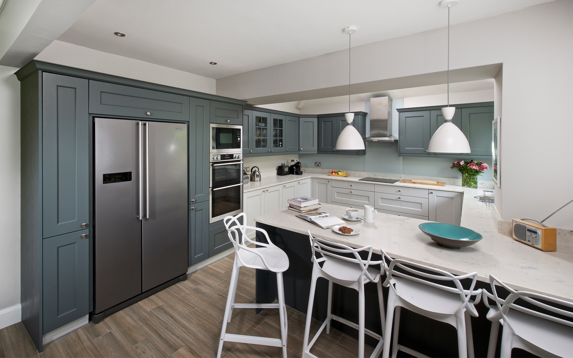Wakefield Shaker Style Kitchen in Light Grey & Gun Metal Grey