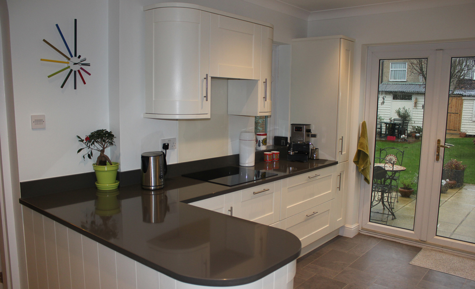 Contemporary Madison Shaker Kitchen in Painted Ivory