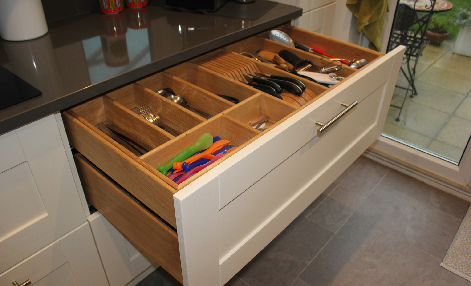Madison Ivory Shaker Kitchen Featuring Drawer With Integrated Knife Block